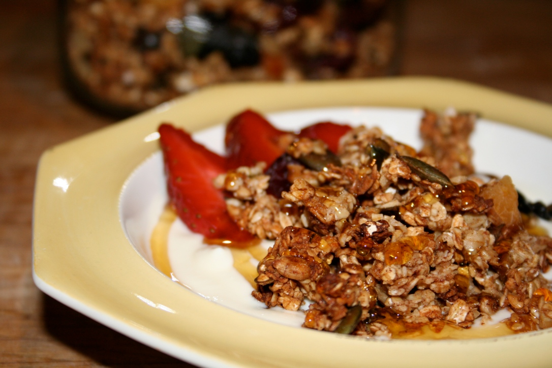 Granola and yoghurt